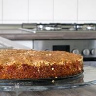 Kuchen in der leeren Küche Hausfrauenmethode