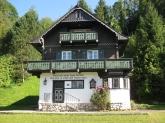Schönes Haus auf dem Weg