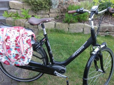Shopper Tasche von Basil in Pfingstrosendesign Hausfrauenmethode