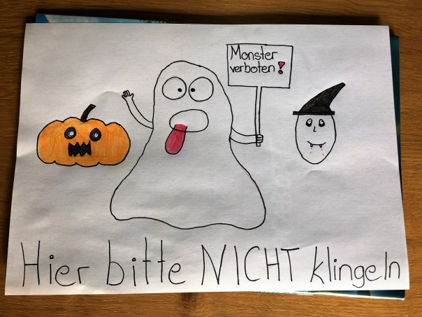 Zeichnung gegen Halloween auf hausfrauenmethode