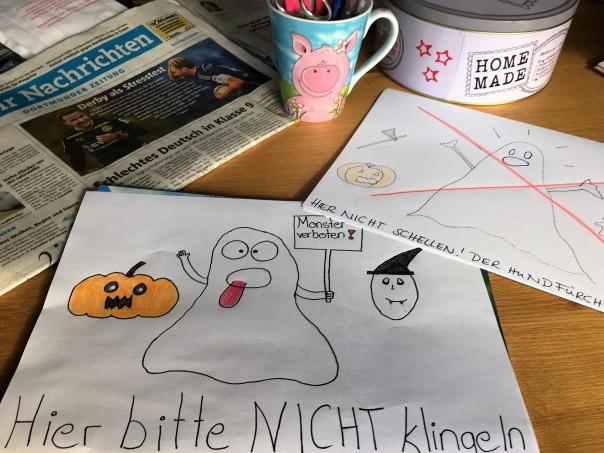 Gezeichnetes Türschild für Halloween von hausfrauenmethode